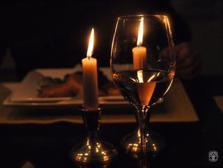 Wien, Weinglas mit Kerze (3251)
